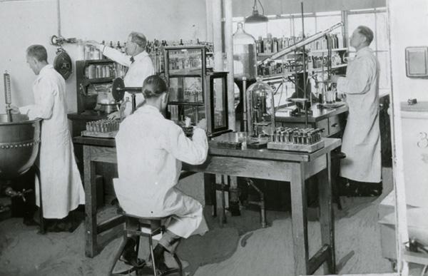 E. J. Brach & Company, Modern Analytical Lab, Kinzie and Kilpatrick Streets, ca. 1924