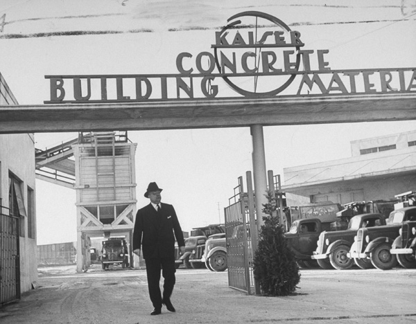 Henry Kaiser at his concrete plant, 1942