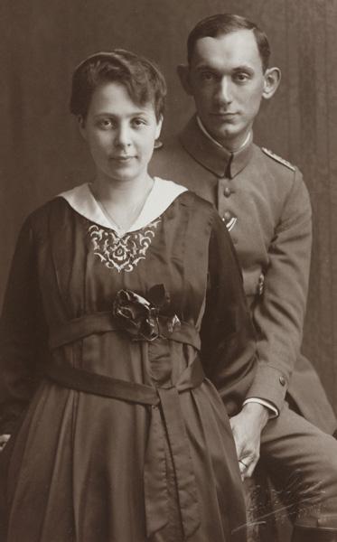 Arnold Bernstein with his fiancée  Lilli Kimmelstiel, Hamburg, 1918