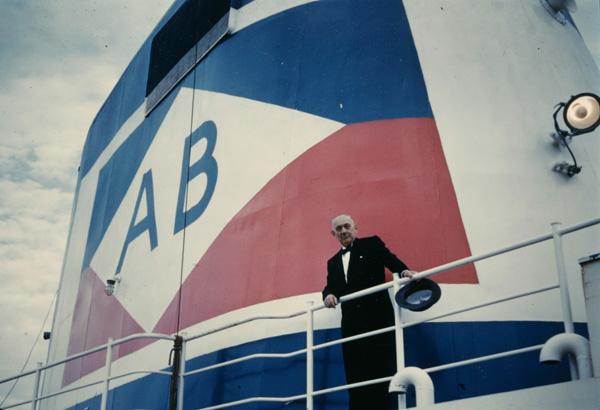 Arnold Bernstein on board the Atlantic, ca. 1957-1959
