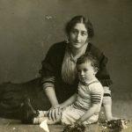 Gertrud Cramer and son Fritz, Berlin-Dahlem, 1907