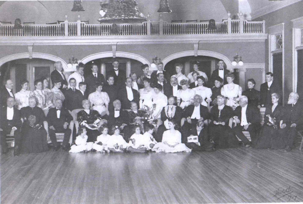 Koehler Family Reunion at the Outing Club, 1907