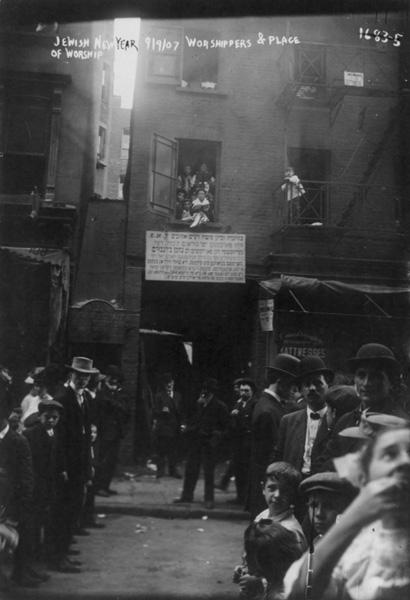 Jewish life - worshipers and converted synagogue, Jewish New Year, New York, Sept. 1907