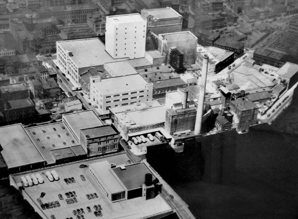 Overhead view of the Rheingold Brewery, Brooklyn, N.Y.