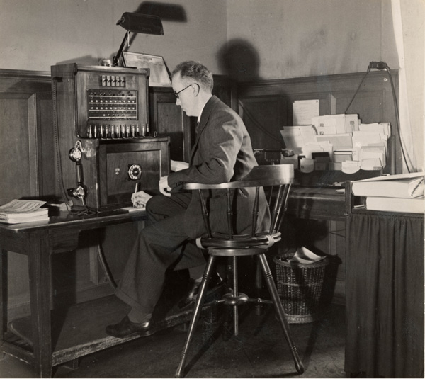 Joseph Simbeck at his desk at Löwenbräu