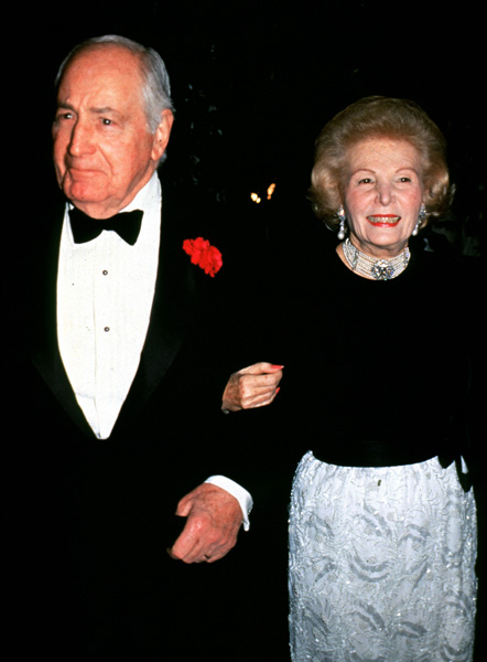 Walter Annenberg with his wife, Leonore, as they arrive at the White House for the State Dinner, November 16, 1988