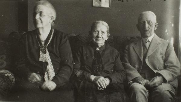 Edward Bausch, son of John Jacob Bausch, and Aunt, Ulm, Germany, 1938