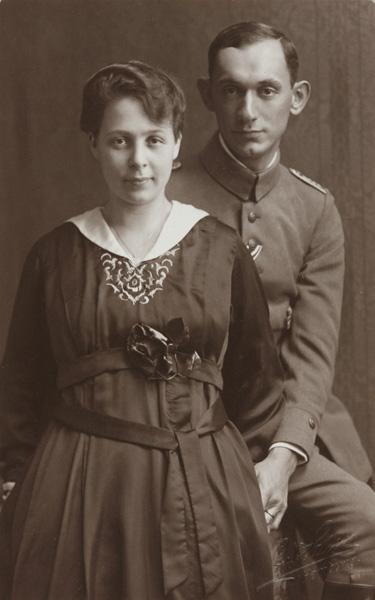 Arnold Bernstein with his fiancée Lilli Kimmelstiel, Hamburg 1918