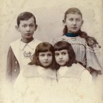 Arnold Bernstein and his three sisters, Photography Studio Lilly, Breslau 1895
