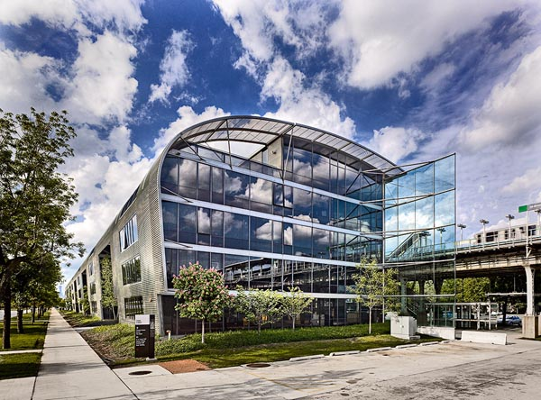 State Street Village, the newest residence hall for the Illinois Institute of Technology in Chicago, completed in 2003