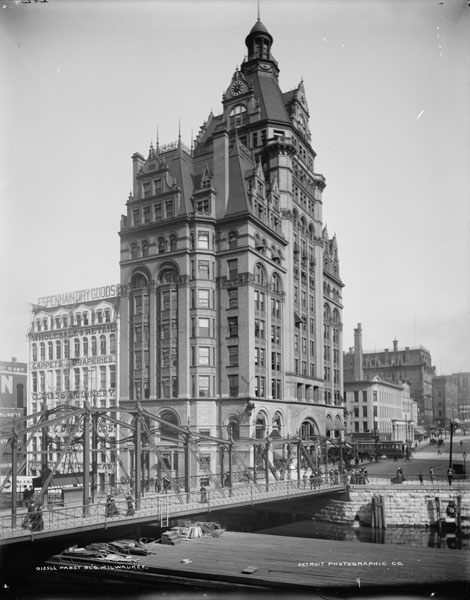 Pabst Building in Milwaukee, Wisconsin, ca. 1900