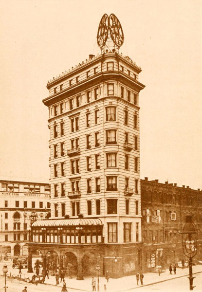 Pabst Hotel and Restaurant in New York City around 1900
