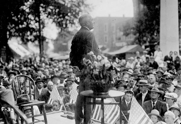 """Warren G. Harding speaking during his """"front porch"""" campaign, 1920"""