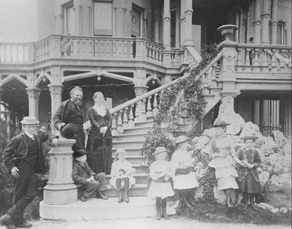 Edward and Camilla Hegeler and their children, c. 1890
