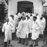 Otto Schnering in front of the Otto Schnering College in the early 1950s