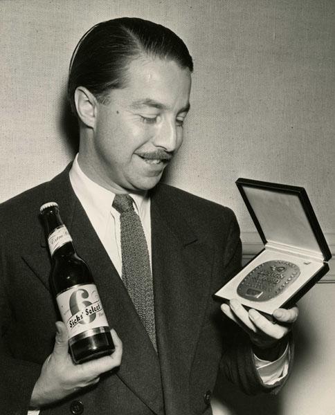 Walter Landor and his SBA award for Sicks'