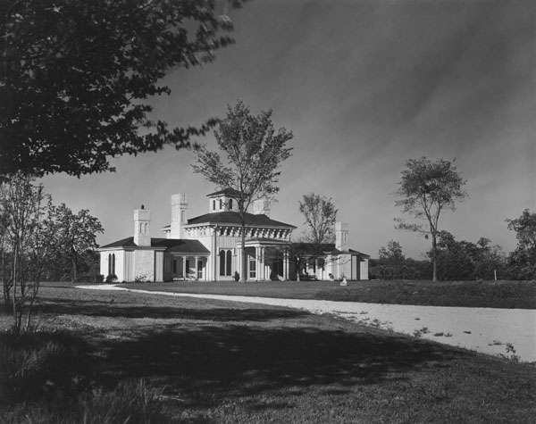 Photograph of the exterior of Walter Paepcke's home