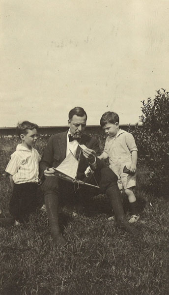 Frederick W. Beinecke with his sons William and Richard, c. 1921