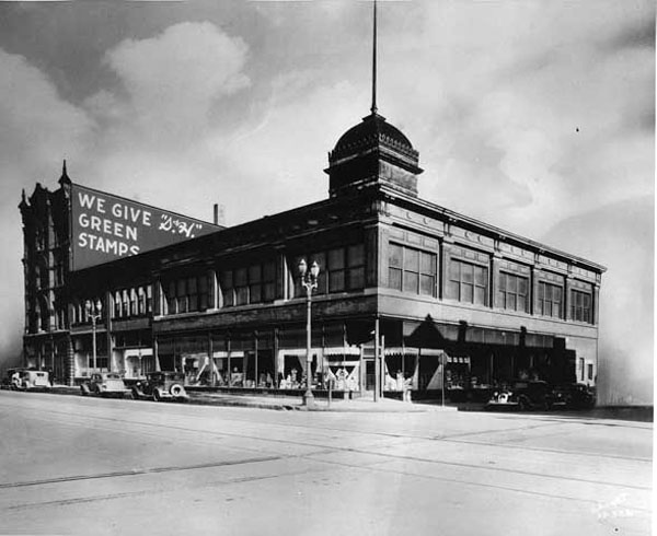 Andrew Schoch Grocery Company, Seventh and Broadway, St. Paul, MN, 1932
