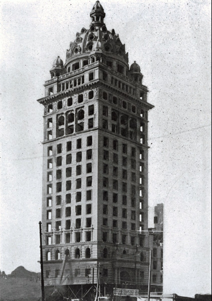 The Claus Spreckels Building after the earthquake and the great fire of 1906